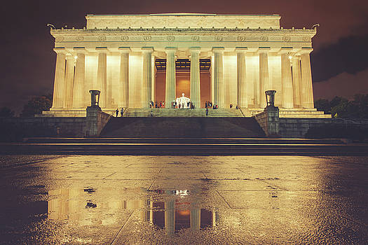 Lincoln Memorial by Ray Devlin