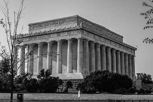 Lincoln Memorial by Tomm Anderson