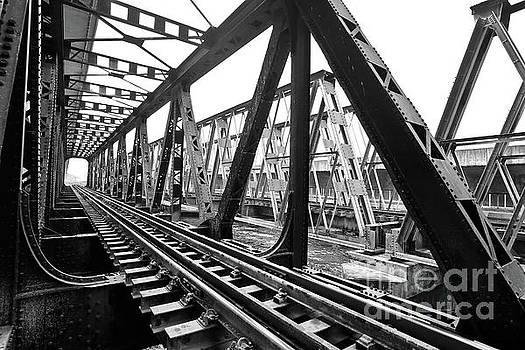 Line of railway by Pongsak Deethongngam