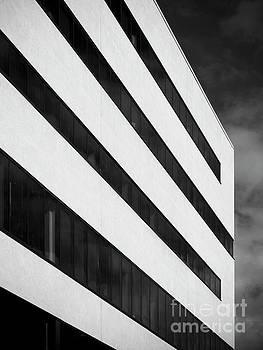Linna by Tapio Koivula