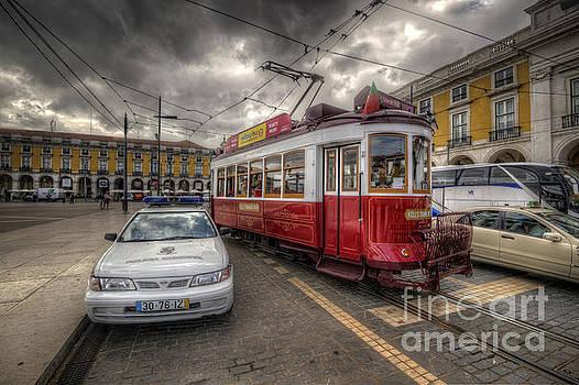 Yhun Suarez - Lisbon Tram