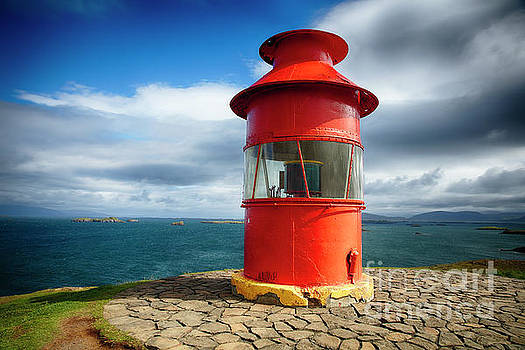 Little Red Lighthouse by George Oze