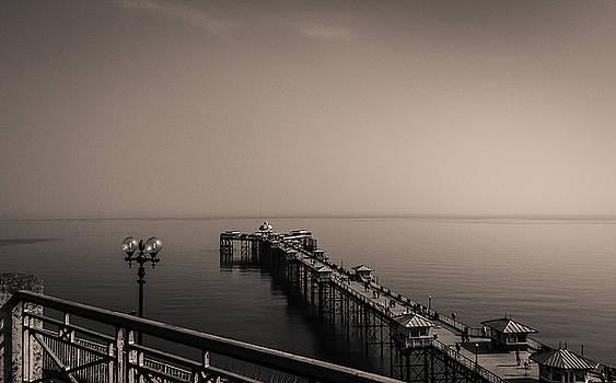 Llandudno Pier by Nigel Spencer