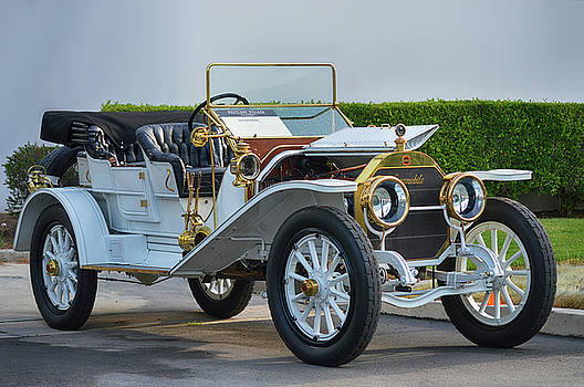 Locomobile by Bill Dutting