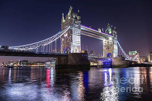 London # 21 by Mariusz Czajkowski