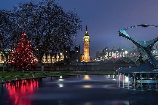 London at Christmas 2 by Matt Malloy