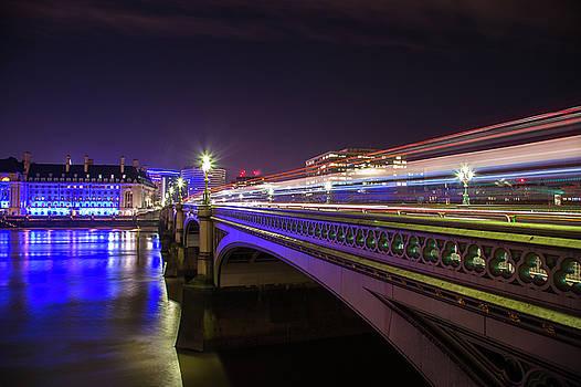 London at night  by Mariusz Czajkowski