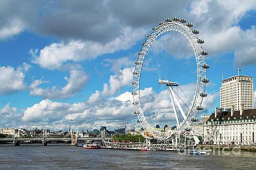 London Eye and River Thames by Sinisa CIGLENECKI
