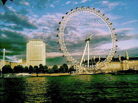 London eye by Ventsislav Iliev
