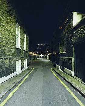 Jacek Wojnarowski - London Gower Mews by night A
