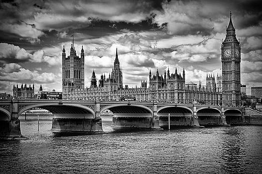 Melanie Viola - LONDON Houses of Parliament and Westminster Bridge