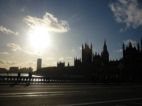 London-Houses of Parliment from South Bank of the Thames by Marilyn  Comparetto