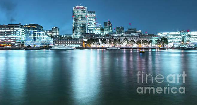 Svetlana Sewell - London Lights