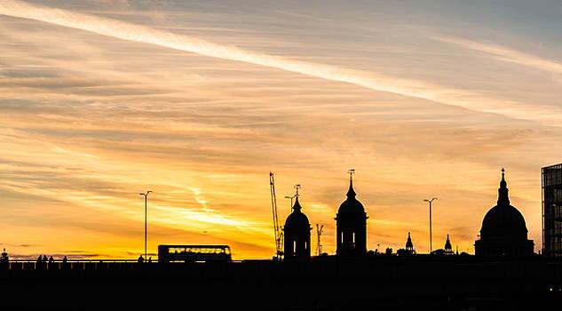London Silhouette by Stuart Gennery