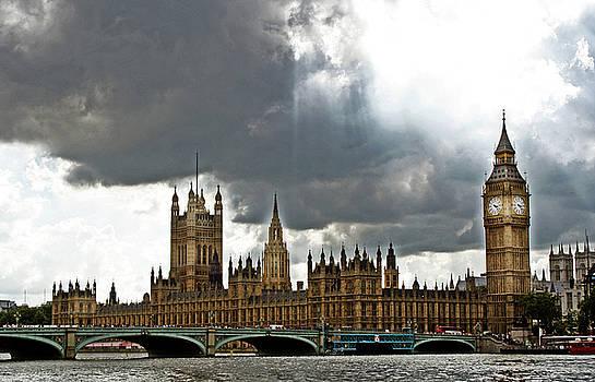 London Skies by La Dolce Vita