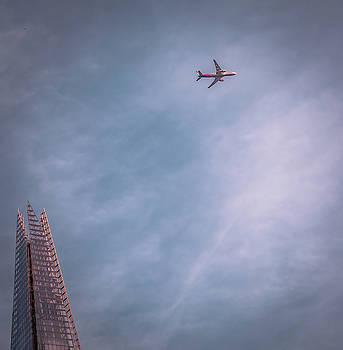 London sky by Marius Comanescu