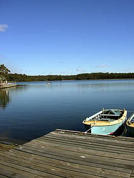 Elisabeth Dubois - lone boat