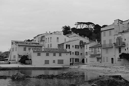 Lonely Town - La Ponche Saint - Tropez by Tom Vandenhende