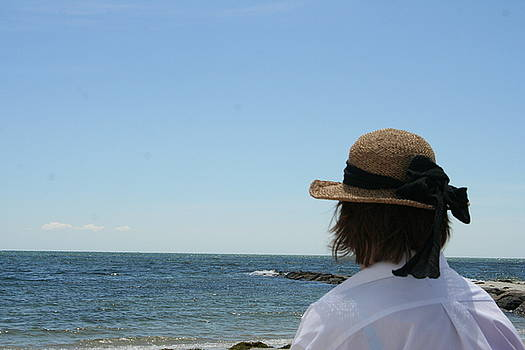Looking Out At The Horizon by Wendy Munandi