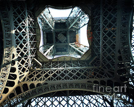 California Views Archives Mr Pat Hathaway Archives - Looking up from the center under the Eiffel Tower, Paris 1978
