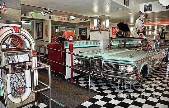 RicardMN Photography - Loris Diner in San Francisco