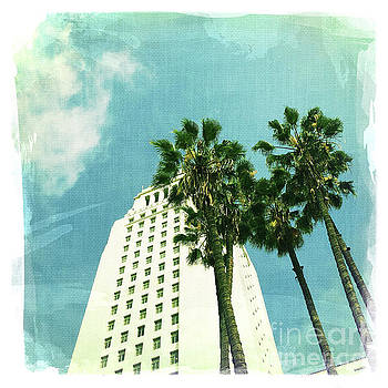 Los Angeles City Hall 2 by Nina Prommer