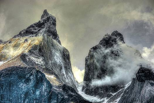 Los Cuernos-The Horns by Richard Gehlbach