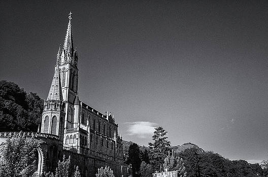 Lourdes Cathedral by Jeremy Voisey