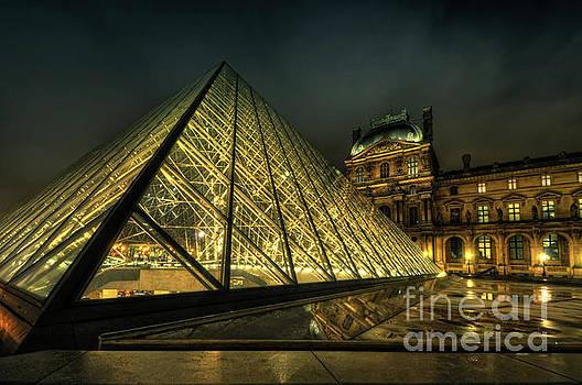 Yhun Suarez - Louvre 2.0