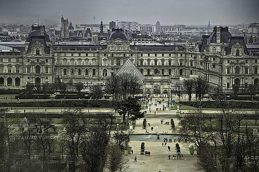 Louvre Aerial by Chris Hood