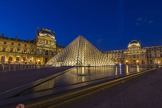 Louvre by Night by Rick Macomber