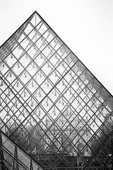 Louvre pyramid by Hitendra SINKAR