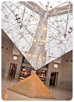 Silvia Bruno - Louvre Pyramid