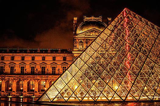 Louvre by Vincent Marguerit