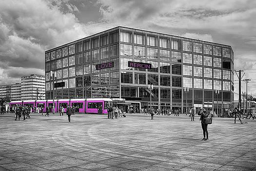 Love Berlin by Claudia Moeckel