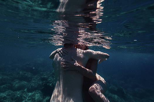 Love Hug by Gemma Silvestre