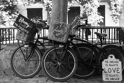 Love in Saint-Tropez by Tom Vandenhende
