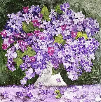Lovely Lilacs by Sallie Wysocki