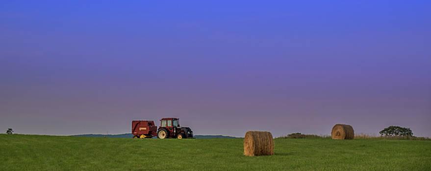 Lovettsville Va Farm by Kevin Blackburn