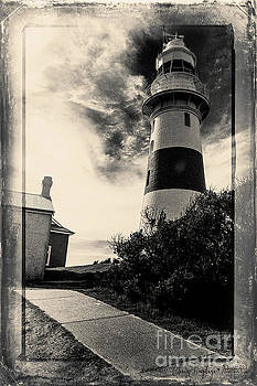 Low Head Lighthouse by Chris Armytage
