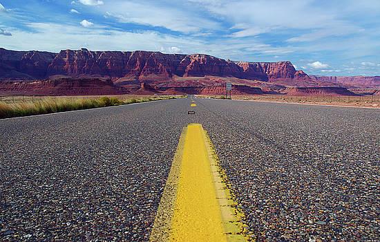 Reimar Gaertner - Low level View on the Road to Vermilion Cliffs Arizona