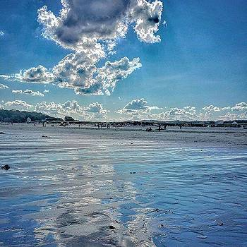 Low Tide. 🐳 #gloucester #visitma by Sally Cooper