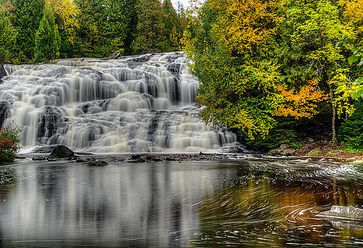 Lower Bond Falls by John Roach