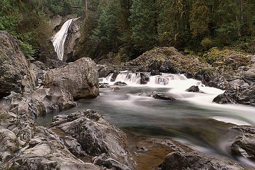 Lower Twin Falls by Jeff Swan