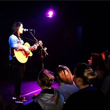 @lspraggan #hometour #home #livemusic by Natalie Anne