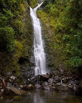 Lulumahu Falls Hawaii by Tim Sullivan