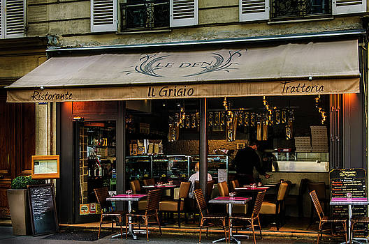Lunch in Paris by Paul Warburton