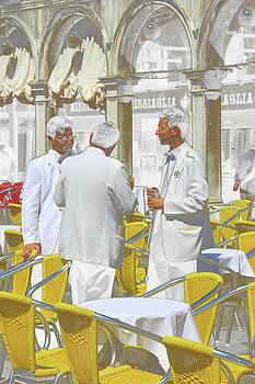 Lunch in Roma by Oscar Alvarez Jr
