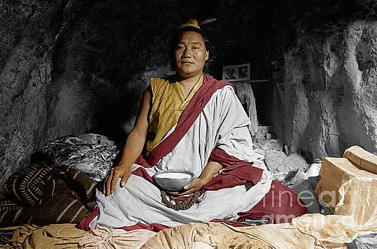 Craig Lovell - Lundup Dorje a cave dwelling repa - Tibet