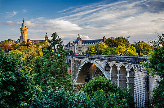 Luxembourg by Viktor Lakics